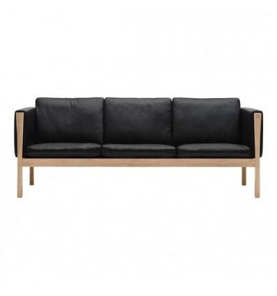 Wegner CH163 Sofa